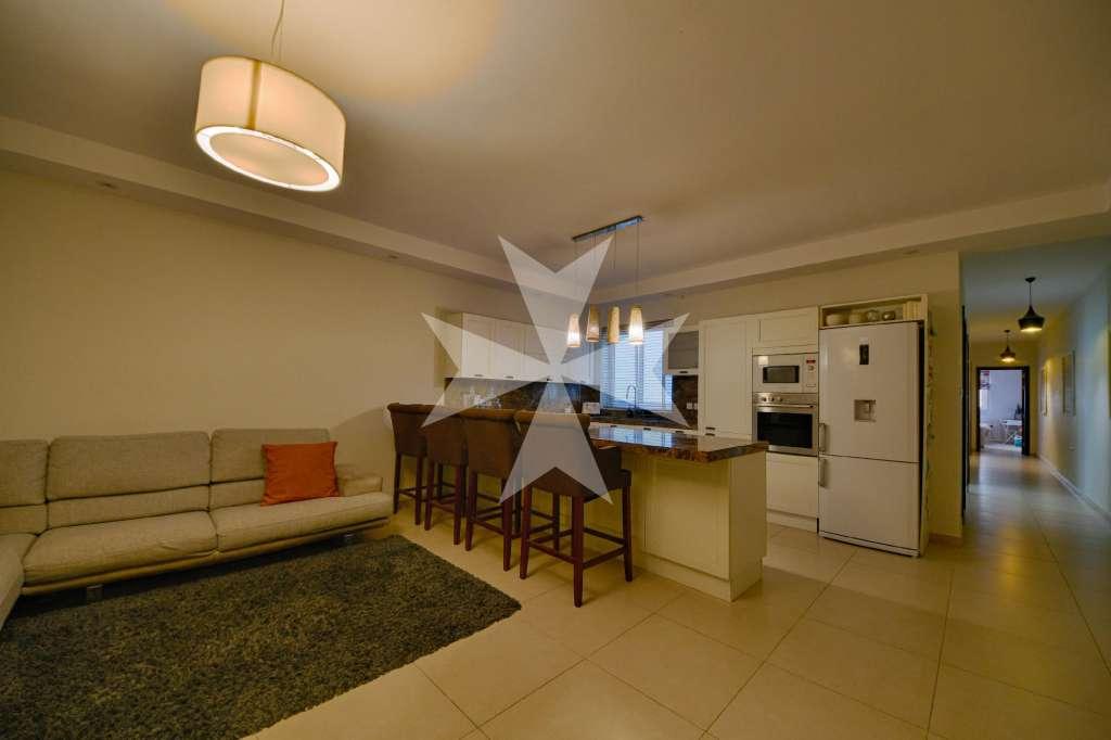Qawra Furnished Apartment